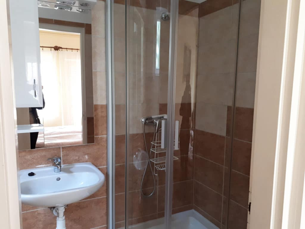 Meiszter Apartman Balatonlelle, fürdő 1