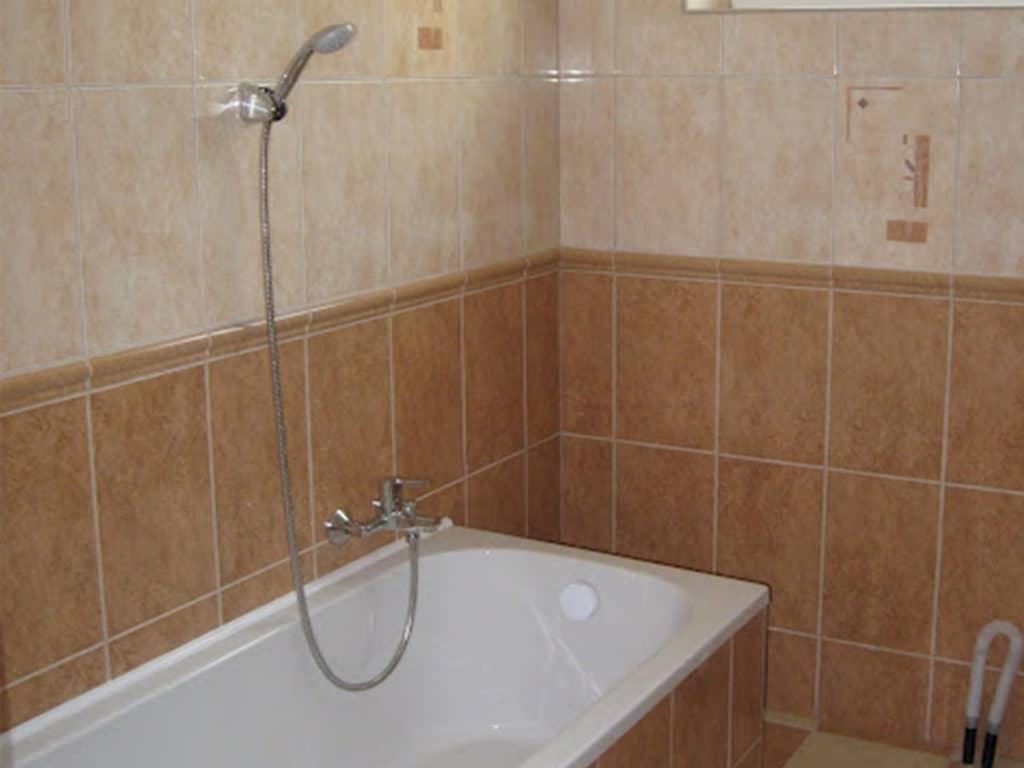 Mónika Apartman Balatonlelle, fürdőszobája
