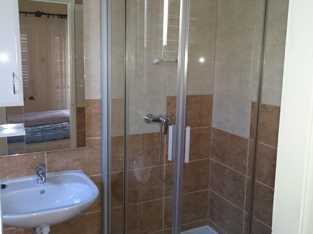 Meiszter Apartman Balatonlelle, fürdő 1.