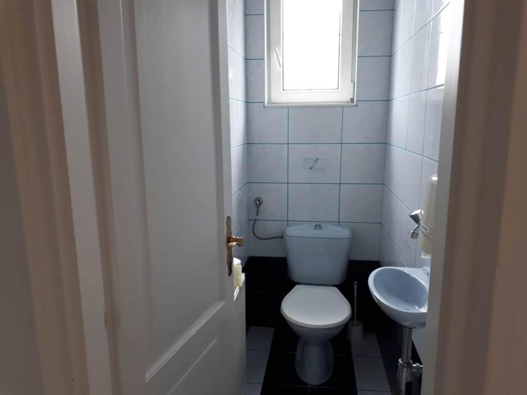 Meiszter Villa Balatonlelle, két szobás WC