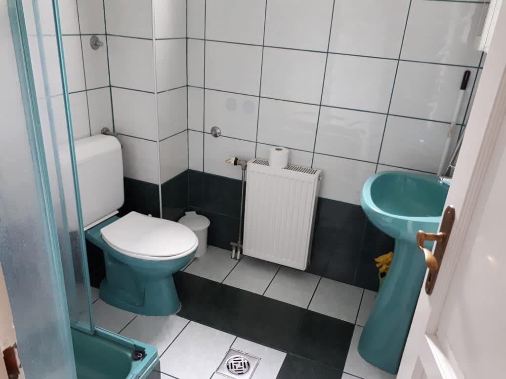 Meiszter Villa zuhanyzós fürdő