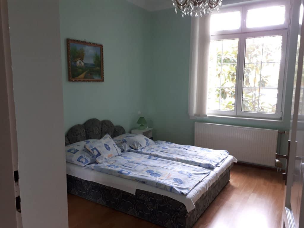 Mini apartman szobája